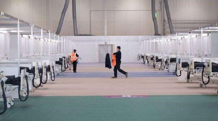 بالصور.. بريطانيا تبني أكبر وحدة عناية مركزة في العالم خلال 10 أيام