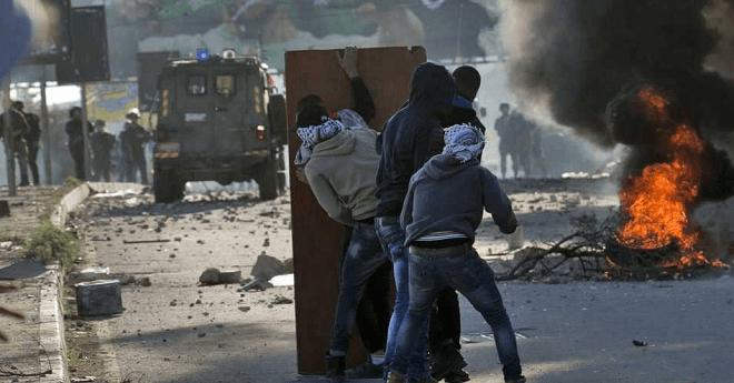 """قتيل فلسطيني ومئات المصابين في مواجهات """"جمعة الغضب"""""""
