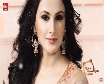 تعرف على عارضة أزياء وممثلة مغربية تعيش بالهند