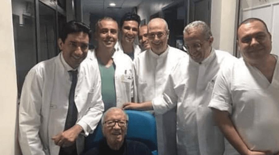 الرئيس التونسي الباجي قايد السبسي يغادر المستشفى وابنه يكشف جديد حالته