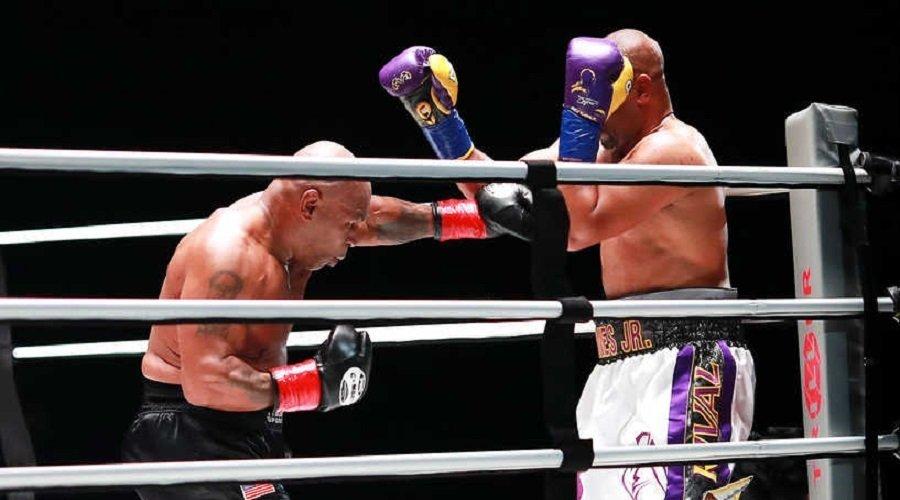تايسون يتعادل مع روي جونز بعد عودته إلى حلبات الملاكمة بعمر الـ54 سنة