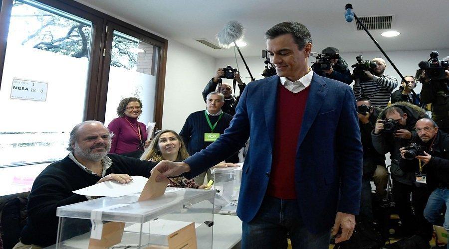 الحزب الاشتراكي يتصدر الانتخابات الإسبانية واليمين المتطرف يتقدم