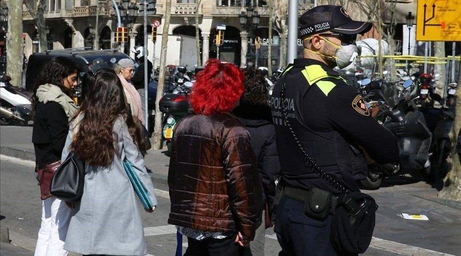 بعد ارتفاع إصابات كورونا.. السلطات الإسبانية تطالب سكان برشلونة بالتزام منازلهم