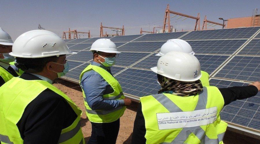 مكتب الكهرماء ينهي تجارب تشغيل المحطة الشمسية الفوطوفولطية بأرفود