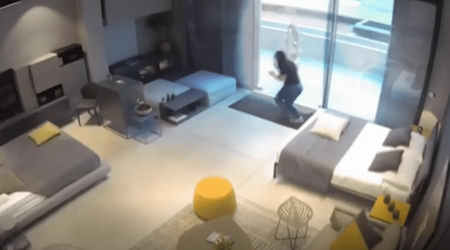 فيديو مروع للحظة إصابة 3 فتيات في انفجار بيروت