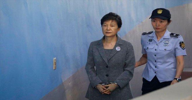 السجن 24 عاما لرئيسة كوريا الجنوبية السابقة