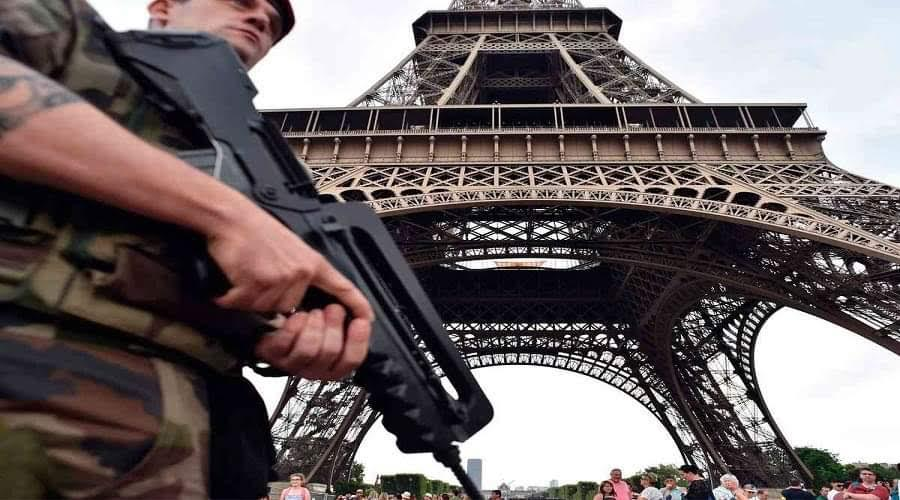 تهديد بوجود قنبلة في برج إيفل
