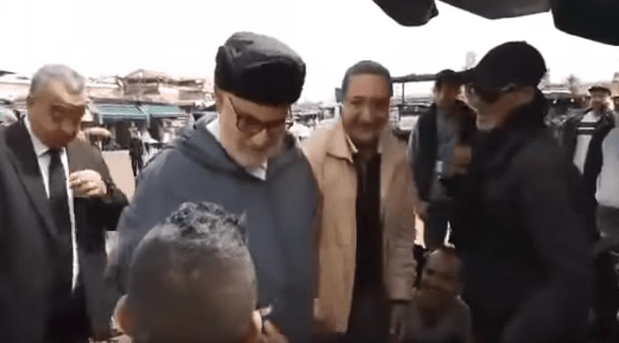 """بالفيديو.. بنكيران يتحول إلى """"حلايقي""""  في جامع لفنا"""
