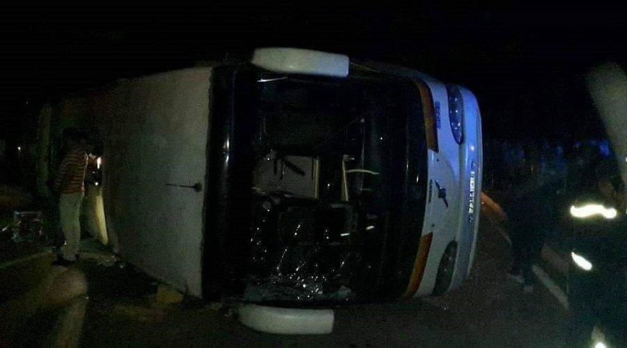 مصرع 12 شخصا وإصابة آخرين في حادث انقلاب حافلة ضواحي أكادير