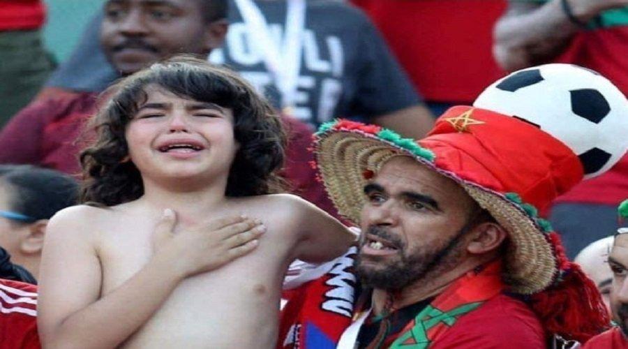 """قصة الطفل المغربي """"ريان"""" الذي خطف قلوب جماهير كأس أمم إفريقيا"""