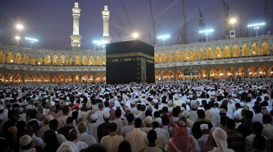 عاجل... السعودية تعلّق دخول المعتمرين بسبب كورونا
