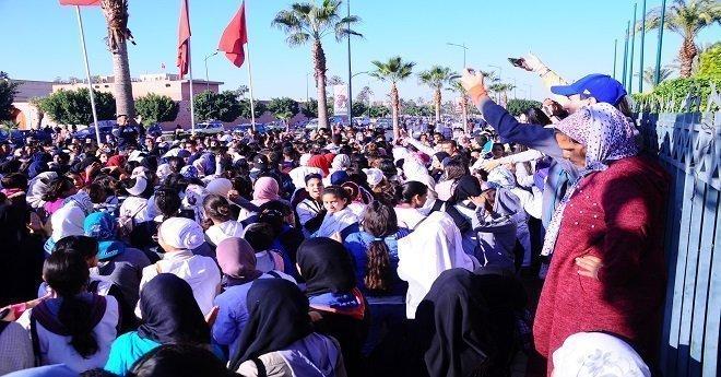 احتجاجات التلاميذ ضد التوقيت الجديد متواصلة والوزارة تقلل منها