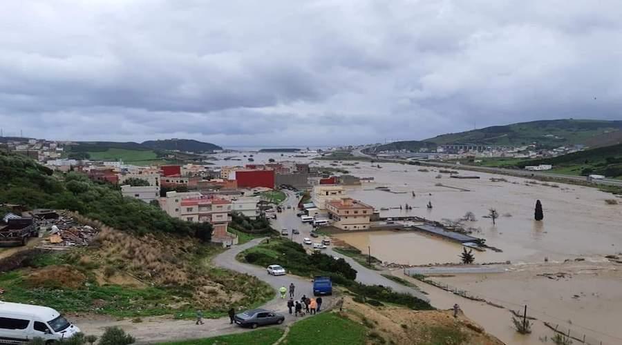 فيضانات قوية تغرق منازل مجاورة لواد القصر الصغير بضواحي طنجة