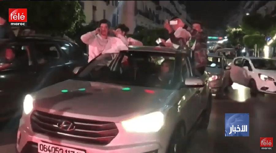 صاحب أطول مدة في حكم الجزائر يقدم استقالته والجزائريون يحتفلون في الشارع