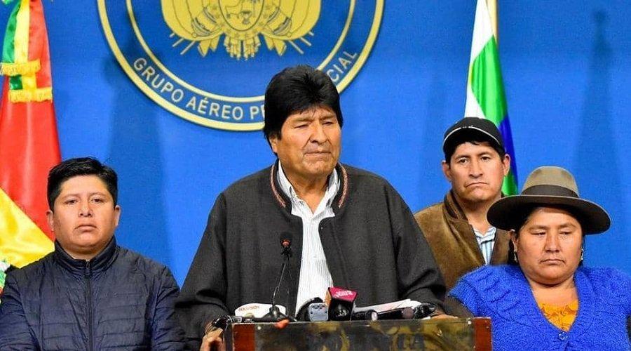 بعد تقديم استقالته.. مذكرة توقيف تلاحق رئيس بوليفيا