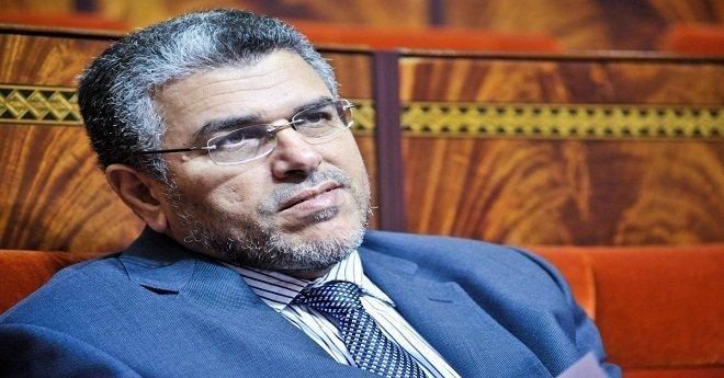 الرميد يهدد بطرح الثقة في الحكومة امام البرلمان بعد تصويت برلمانيي البيجيدي ضده
