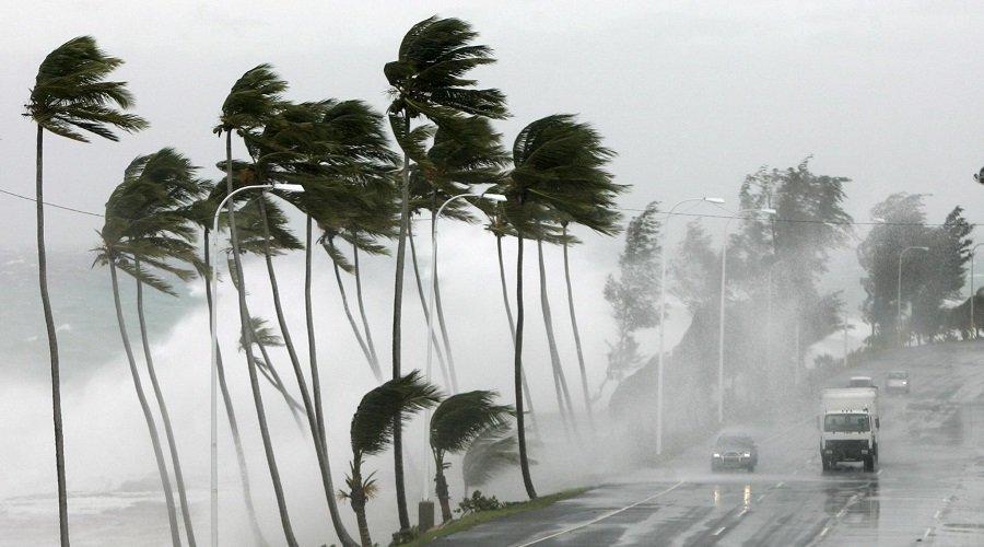 تحذير.. زخات رعدية ورياح عاصفية بهذه المناطق من المملكة