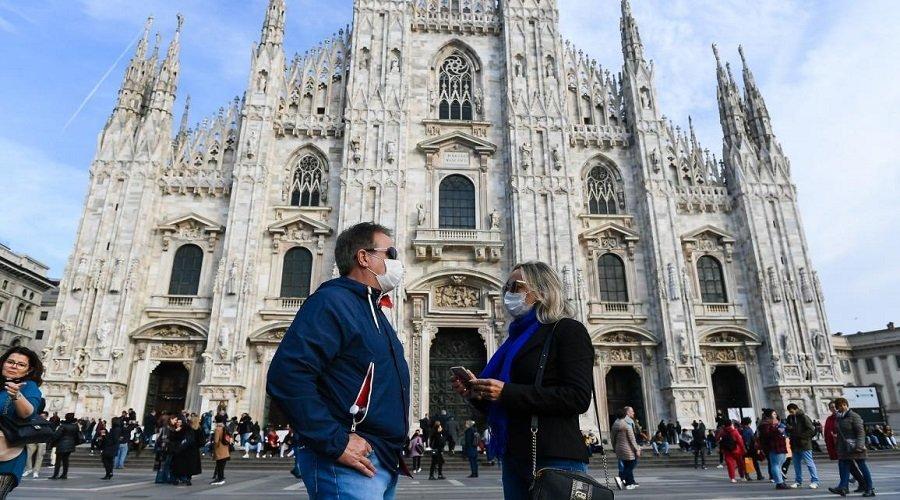 فرض ارتداء الكمامات في الهواء الطلق وتمديد حالة الطوارئ بإيطاليا