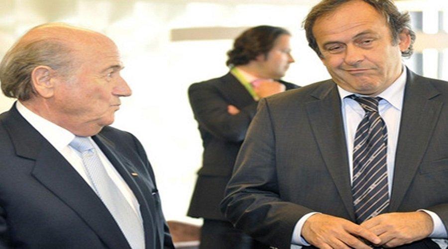 الفيفا تطالب بلاتر وبلاتيني بإرجاع مليوني دولار