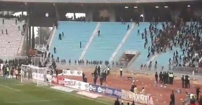 """تونس.. 42 جريحا  من الأمن في """"كلاسيكو"""" الترجي الرياضي والنجم الساحلي"""