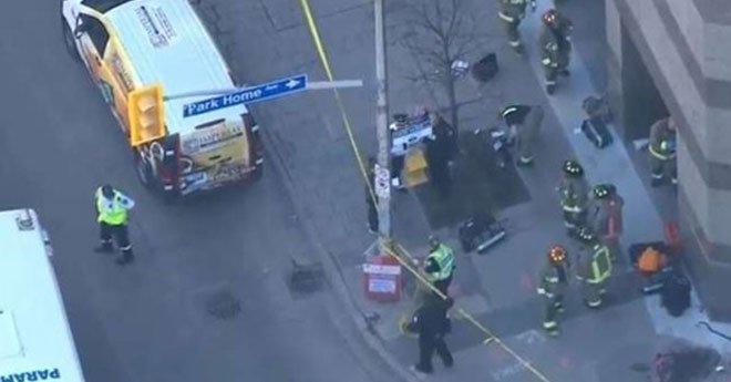 ارتفاع ضحايا حادث الدهس في تورونتو الكندية والشرطة تستبعد صلة المنفذ بإرهابيين