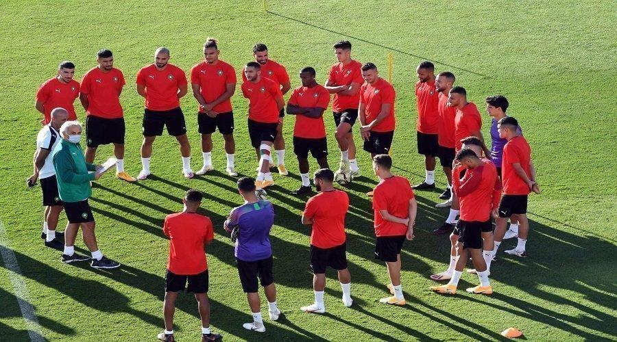 خاليلوزيتش يضع لاعبي المنتخب تحت اختبار تقنية الفيديو