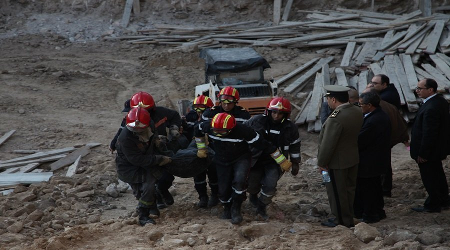 بالصور.. وفاة عاملين تحت الأنقاض إثر انهيار حائط فوق ورش للبناء بالدار البيضاء