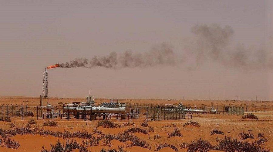 """السعودية تعلن السيطرة على حريقين بمعملين لشركة """"أرامكو"""" استهدفا بطائرات """"مسيرة"""""""