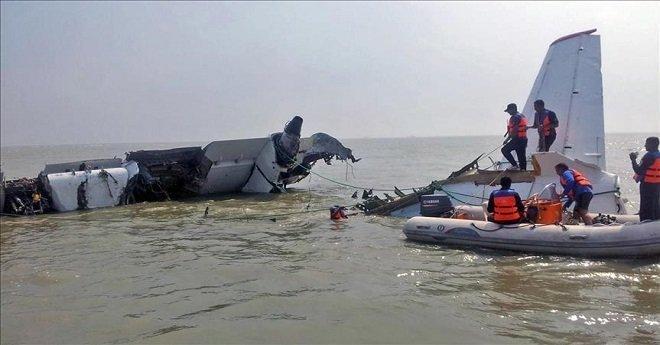كارثة جوية بعد تحطم طائرة ركاب تحمل 189 شخصا في البحر
