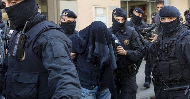 """القبض على مغربي بإسبانيا يجند الشباب للالتحاق بـ""""داعش"""""""