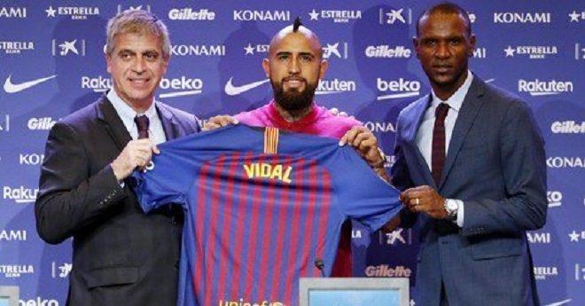 برشلونة الإسباني يقدم لاعبه الجديد أرتورو فيدال