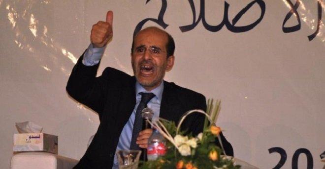 """عمدة فاس يهدد بـ """"مواجهة"""" المنتقدين و""""إغلاق أفواههم"""""""