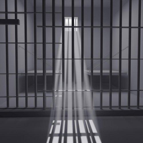 حكايات  وراء القضبان
