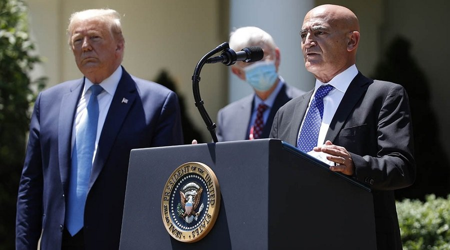 منصف السلاوي يهدد بترك مهمة تطوير اللقاح الأمريكي ضد كورونا