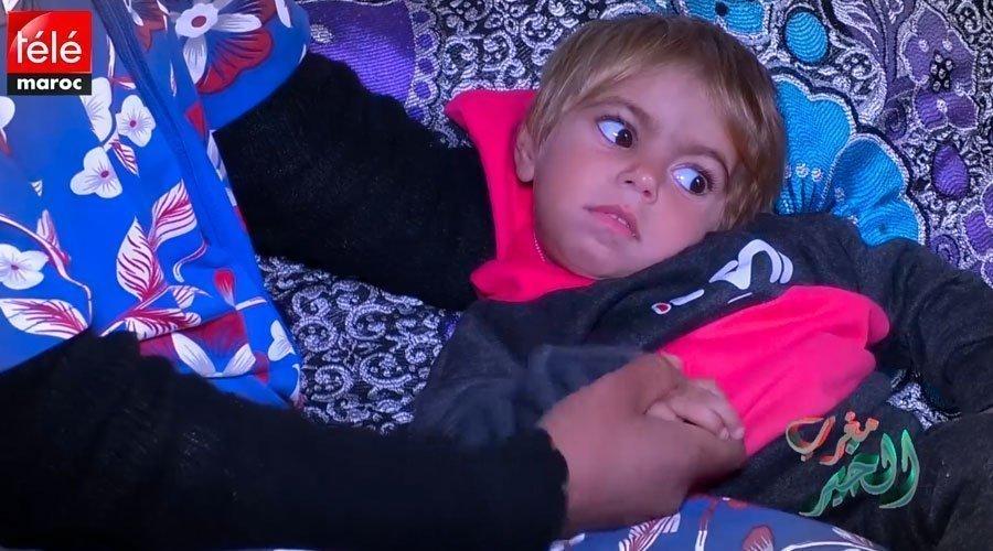 مأساة طفلة تعاني من مرض مجهول تنتظر مساعدتكم