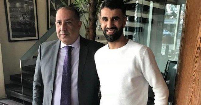الرجاء قريب من التعاقد مع لاعب دولي مغربي سابق