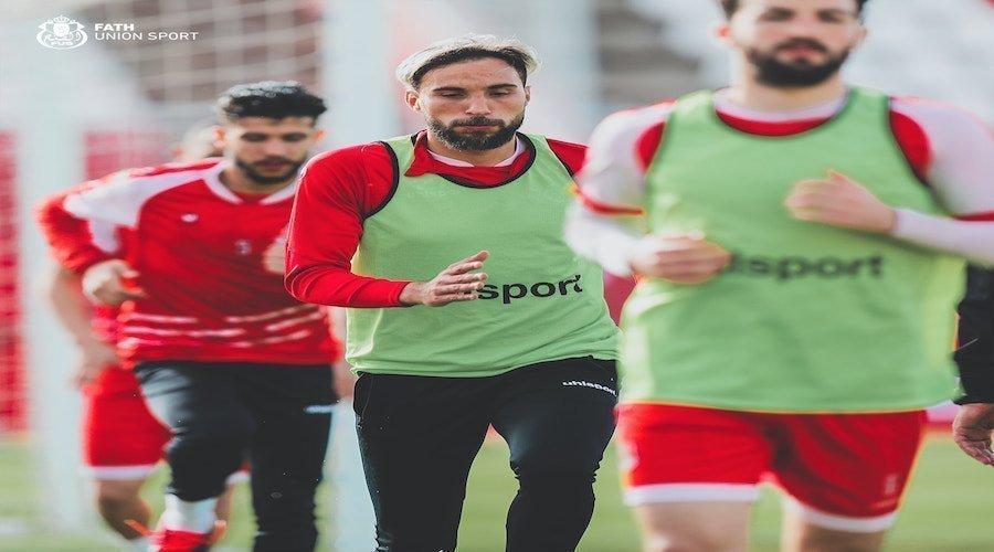 الحجوي يطالب عناصر الفتح الرياضي ببذل مجهود مضاعف