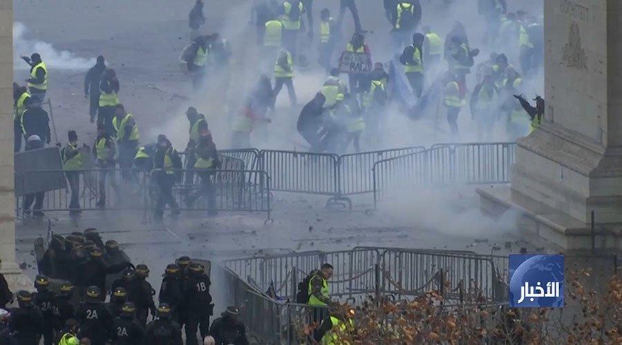 """فرنسا..السلطات تجدد دعوتها للهدوء قبل مظاهرات """"السترات الصفراء"""" السبت"""