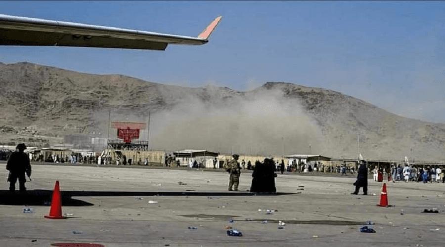 انفجار عنيف يهز مطار كابل وسقوط عشرات القتلى والجرحى بينهم جنود