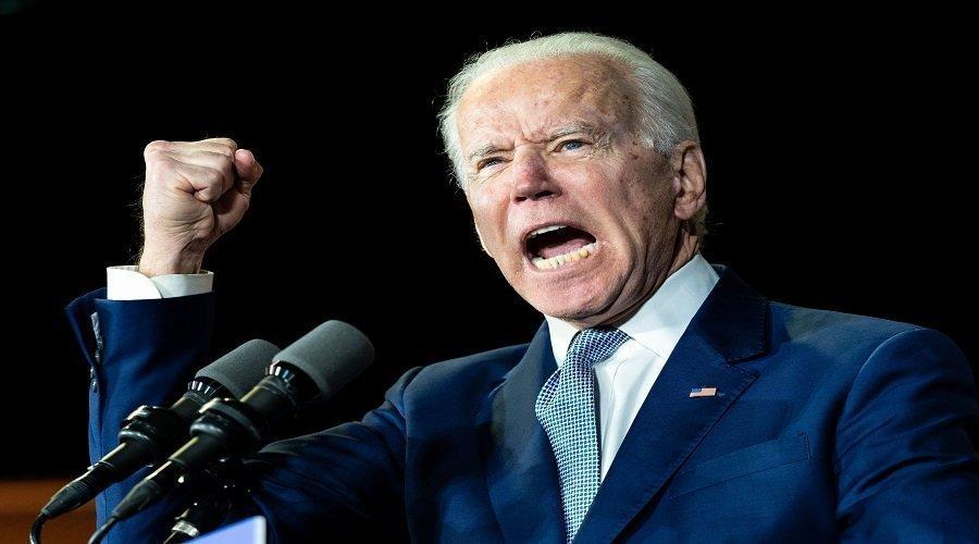 """جو بايدن  يصف مقتحمي الكونغرس ب""""الإرهابيين المحليين"""""""