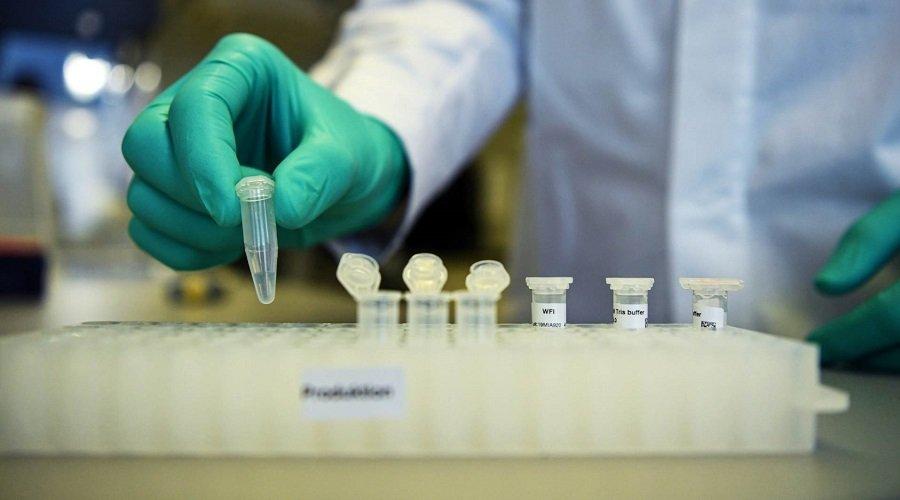 بريطانيا توقع عقدا مع شركتين للحصول على 60 مليون جرعة من لقاح كورونا