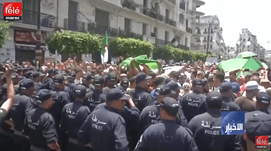 الجزائر: مظاهرات جديدة في البلاد وتمسك برحيل رموز نظام بوتفليقة