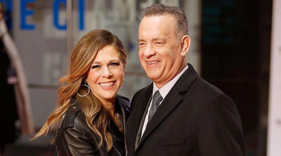 توم هانكس وزوجته يغادران المستشفى بعد تلقي العلاج من كورونا