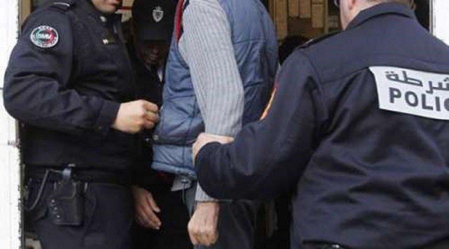 توقيف شرطيين يشتبه تورطهما في قضية ابتزاز بالرباط