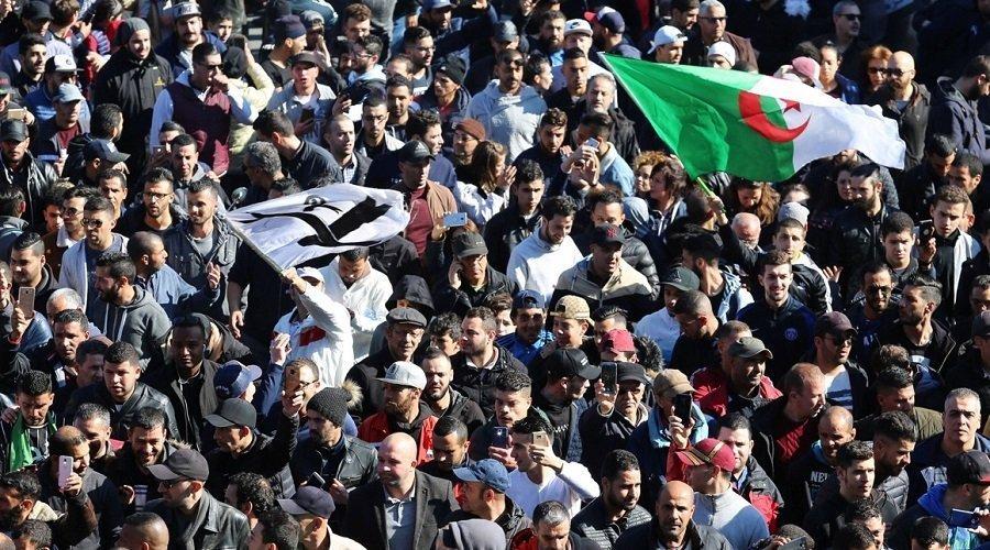 """الجزائر على موعد مع تظاهرات جديدة ضد """"الولاية الخامسة"""""""