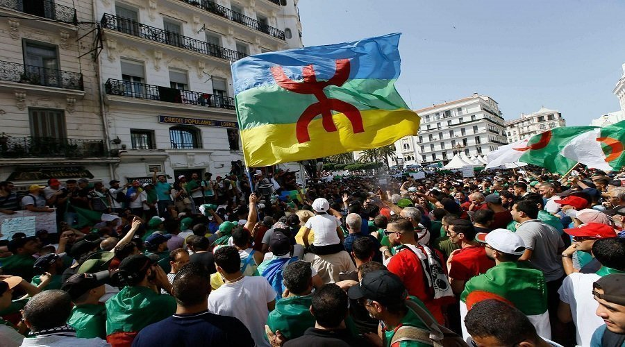 قمع النظام الجزائري لسكان منطقة القبايل على طاولة البرلمان الأوروبي
