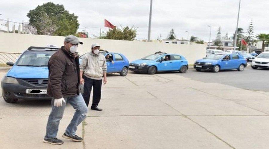 مهنيو سيارات الأجرة يطالبون بالدعم والإعفاء من أداء المأذونيات