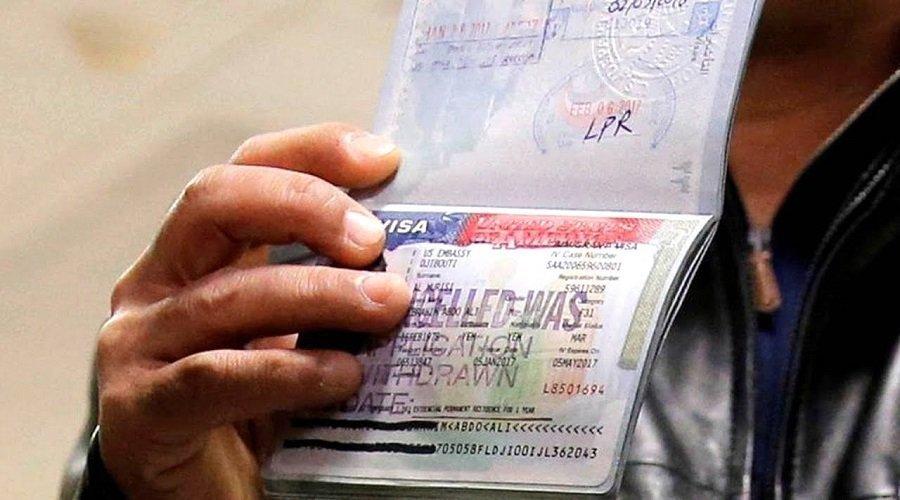 السلطات الأمريكية تتراجع عن قرار إلغاء تأشيرات الطلاب الأجانب