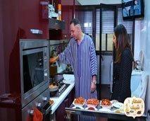 """موس ماهر يبدع في تحضير مأدية إفطار شهية في """"سطار شاف"""""""
