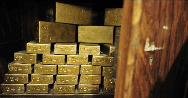 الذهب ينخفض.. وتوقعات بانتعاش في الأسبوع القادم